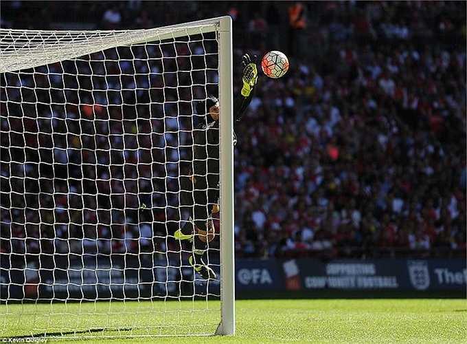 Petr Cech đã có màn trình diễn rất tuyệt vời trong ngày tái ngộ Chelsea. Anh liên tục hóa giải các pha dứt điểm hiểm hóc trong trận