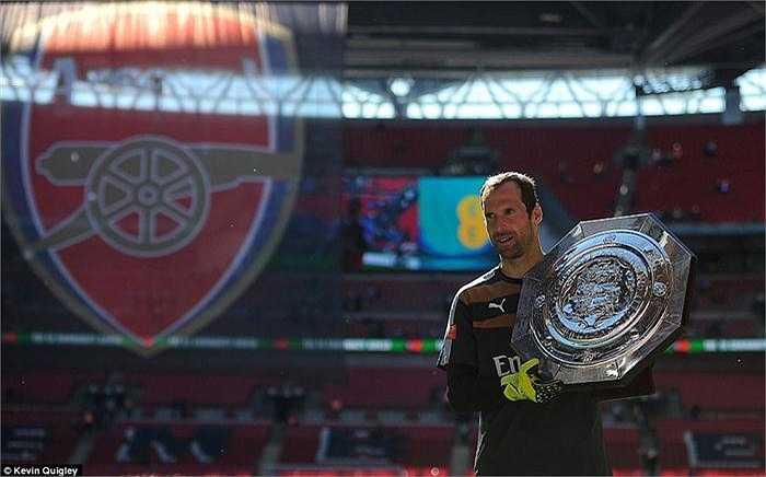 Với chốt chặn tin cậy người CH Séc, những CĐV Arsenal đang có niềm tin mạnh mẽ trước mùa giải mới