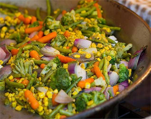 Miễn dịch: Những người mà chế độ ăn uống có các loại rau và trái cây vào buổi sáng sẽ duy trì khả năng miễn dịch khỏe mạnh