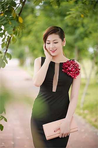 Tú Anh đằm thắm hơn so với ngày mới đăng quang Á hậu Hoa hậu Việt Nam.