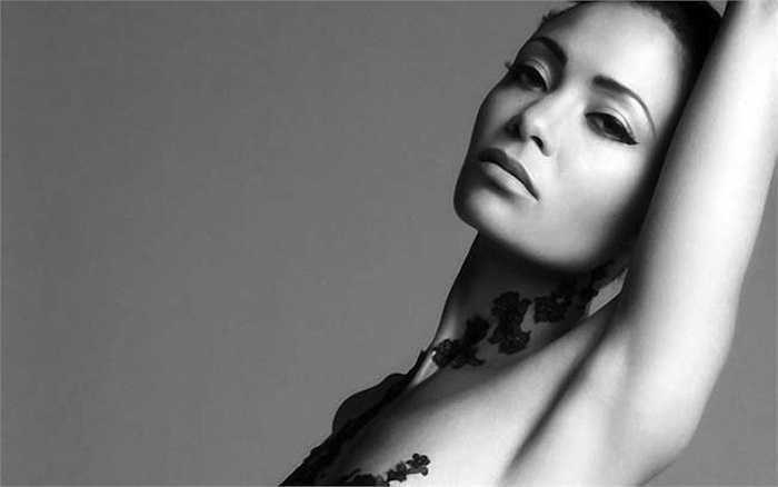 Thandie Newton xuất thân từ Anh quốc, là một trong những ngôi sao da màu có vóc dáng gợi cảm nhất thế giới.