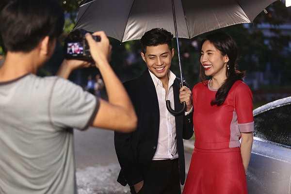 Chưa kể, để mời được Thuỷ Tiên vào vai nữ chính, nam ca sĩ mất cả tháng để thuyết phục.