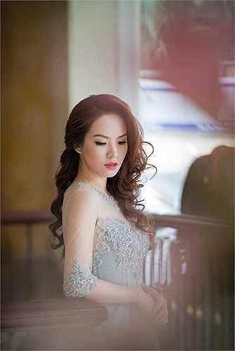 Dù đã là mẹ của hai nhóc kháu khỉnh, Đan Lê vẫn giữ được nhan sắc xinh đẹp.