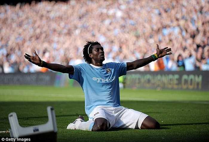Khủng hơn Robinho là Adebayor. Man City chi 25 triệu bảng cho chân sút người Togo nhưng chỉ nhận về 5 triệu khi bán anh cho Tottenham. Họ lỗ ròng 20 triệu bảng