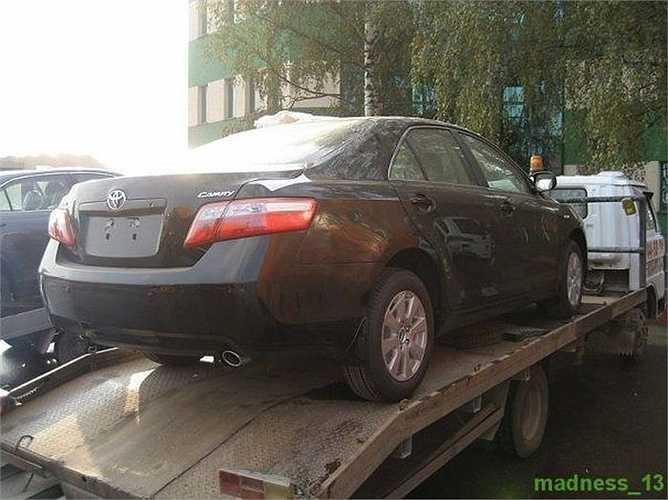 Một phóng viên ảnh (giấu tên) người Nga có dịp vào nơi tiêu hủy xe hơi nhập lậu của cảnh sát và hải quan Liên bang Nga.