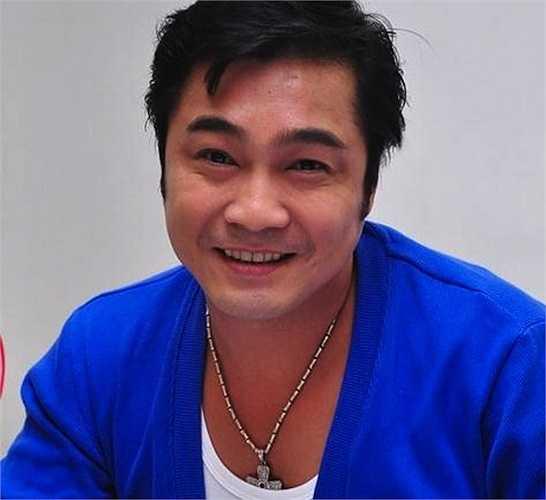 Những năm 2000, Lý Hùng từng thử sức mình với nghiệp ca sỹ nhưng sản phẩm của anh cũng không được đánh giá cao.