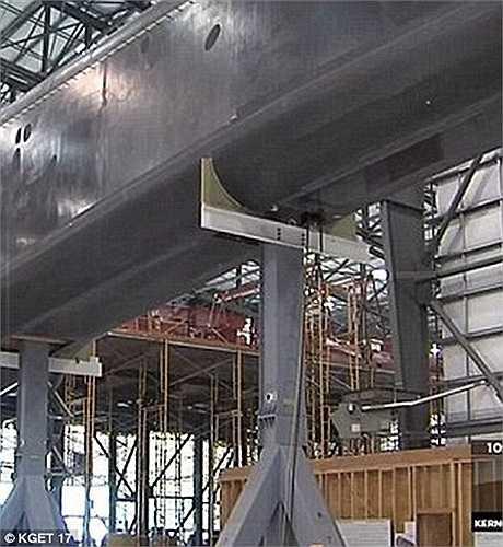 Bên trong nhà máy sản xuất siêu máy bay