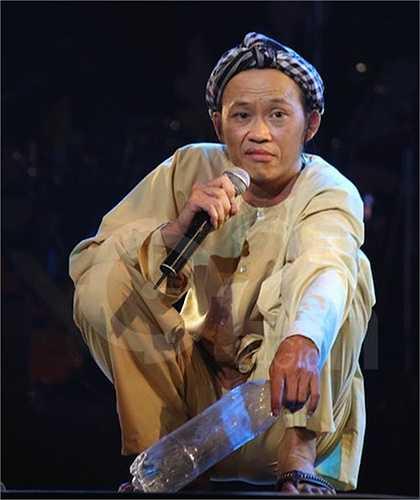 Hoài Linh được nhiều thế hệ khán giả Việt yêu mến không chỉ bởi tài năng mà còn nhờ chất mộc mạc, tự nhiên trong mỗi vai diễn của mình.