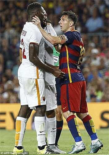 Hành động xấu xí của Messi