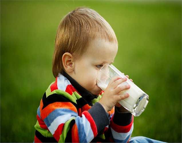 Dị ứng sữa: Có người bị dị ứng với sữa. Có nghĩa là họ không thể tiêu hóa đường lactose trong sữa và được gọi là hiện tượng không dung nạp lactose.
