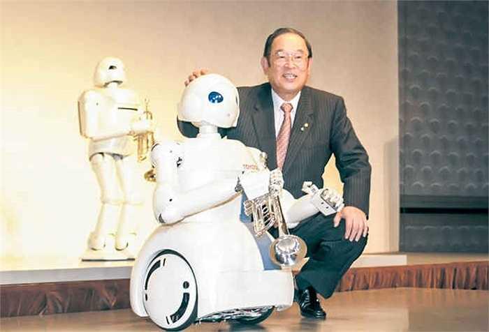 Hãng cũng chế tạo 'Robot đối tác' từ hơn 10 năm trước, với khả năng biểu cảm như một đối tác kinh doanh thực thụ.