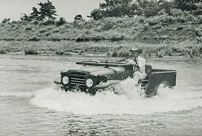 Phá vỡ kỷ lục off-road bằng mẫu xe thử nghiệm. Chiếc xe Jeep Nhật Bản thử nghiệm đã có hành trình vượt qua núi Phú Sỹ trong bài kiểm tra chất lượng.