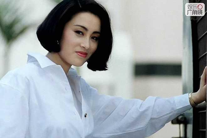 Trương Mẫn: Nữ minh tinh Trương Mẫn được nhiều khán giả nhớ mặt trong các bộ phim hài của Châu Tinh Trì vào đầu những năm 90 của thế kỷ trước. Cô có tổng cộng 70 dự án phim trong sự nghiệp. Đáng chú ý nhất là các phim Tiếu ngạo giang hồ (1990), Tân Lộc đỉnh ký (1992), Thần bài (1989), Điêu thuyền (2001).