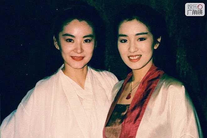 Củng Lợi: Nổi tiếng từ năm 1987 với Cao lương đỏ, Củng Lợi là nữ thần biểu tượng của ảnh đàn Đại lục trong những năm qua. Cô từng có mối tình thị phi với đạo diễn Trương Nghệ Mưu nhưng sau đó lại kết hôn với một doanh nhân Singapore.