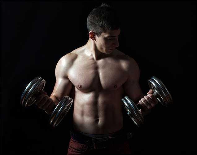 Testosterone: Sau tuổi 30 mức testosterone có xu hướng giảm. Điều này gây ra chứng mất ngủ, mệt mỏi, béo lên và giảm ham muốn tình dục. Đây là một trong những nguyên nhân gây giảm năng lượng và mệt mỏi.