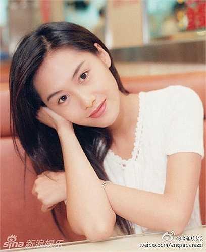 Nhiều fan tỏ ra thích thú với sự quay trở lại của Chu Ân sau khi lấy chồng và sinh con. Sự xuất hiện của người đẹp trong một chương trình truyền hình thực tế là khó tin bởi Chu Ân dường như đã không còn mặn mà với làng giải trí lắm thị phi.