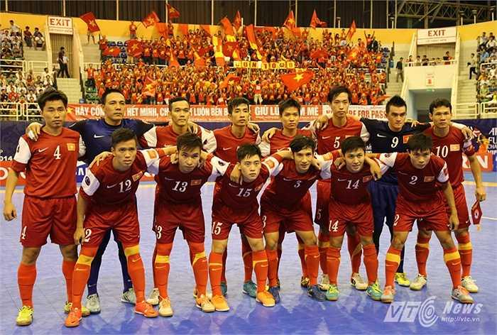 ... tuyển futsal Việt Nam lần đầu tiên lọt vào tứ kết. (Ảnh: Quang Minh)
