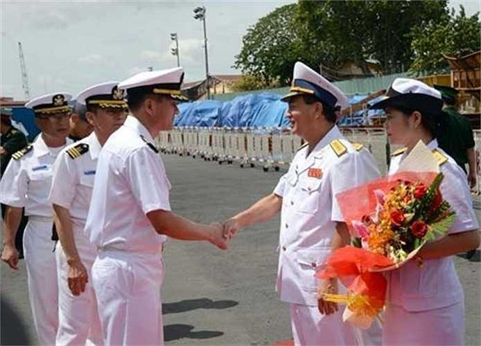 Tại lễ đón, Đại tá Hà Xuân Xứ, đại diện Bộ tư lệnh Hải quân Việt Nam tại phía Nam chào đón và chúc đoàn có chuyến thăm thành công tại Việt Nam. Đại tá Kang Hee Won cảm ơn sự đón tiếp nồng hậu của Bộ tư lệnh Hải quân Việt Nam và bày tỏ vui mừng khi được đến thăm TP Hồ Chí Minh.