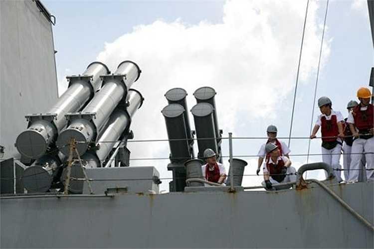 Trước đó, vào tháng 10/2012, tàu cũng có chuyến thăm 4 ngày tại TP Hồ Chí Minh.