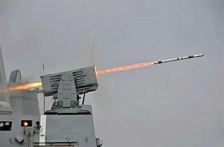 Nếu như SM-2 phụ trách phòng thủ tầm cao, thì hệ thống RIM-116 RAM đảm bảo bảo vệ Wang Geon trước các mục tiêu bay thấp, cực ly gần. Nó có thể hạ mục tiêu tên lửa hành trình, máy bay ở cự ly 9km.