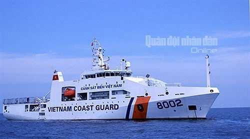Tàu 8002 được Tổng công ty Sông Thu bàn giao cho lực lượng Cảnh sát biển Việt Nam đầu tháng 7-2015.