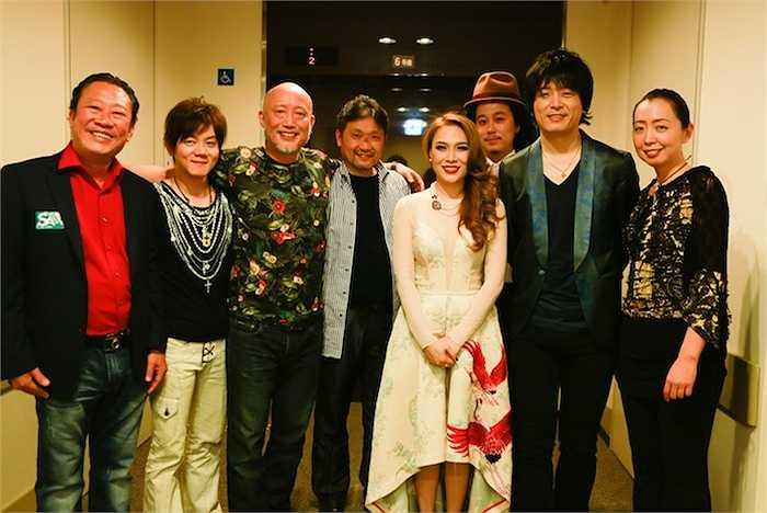 Đầu tháng 4 năm nay, Mỹ Tâm đã thực hiện live concert đầu tiên tại Đất nước mặt trời mọc mang tên 'Dreaming together in Osaka'.