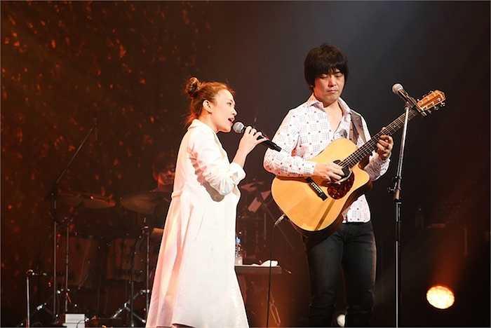 Đây cũng là một live concert riêng đầu tiên của ca sỹ Việt thu hút đến 80% lượng khán giả đến xem là người bản xứ.