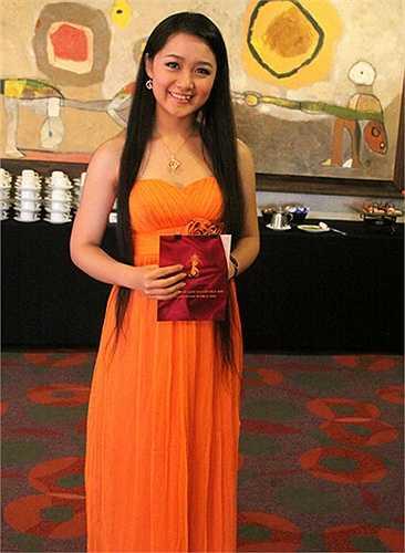 Sau khi gặt hái thành công trong nhiều vai diễn, cô tiếp tục ghi dấu ấn với vai trò là MC của nhiều chương trình truyền hình. Tháng 5/2011, Thu Hà chính thức được làm BTV chương trình thời sự, trở thành BTV trẻ nhất trong lịch sử làm bản tin thời sự lúc 19h.