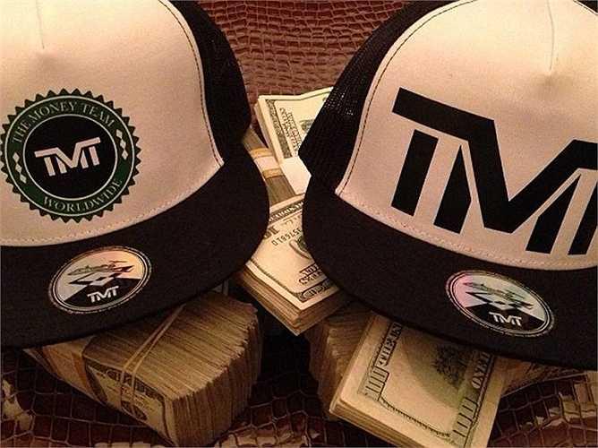 Những hình ảnh vật dụng đời thường của Mayweather luôn phải đi kèm với tiền.