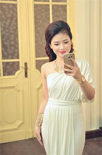 Sau phần trình diễn của nghệ sĩ Thái Lan, Dương Hoàng Yến xuất hiện và thể hiện lại ca khúc 'Adagio' (Bản hit tại The Voice), và nhận được những tràng vỗ tay không ngớt.