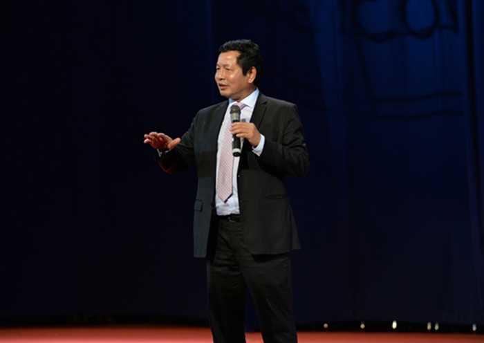 Ông Trương Gia Bình mong muốn các bạn sinh viên phải là những cá nhân khác biệt
