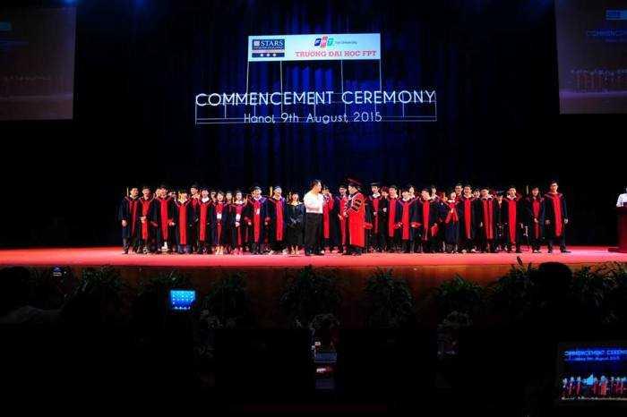 sinh viên FPT tốt nghiệp