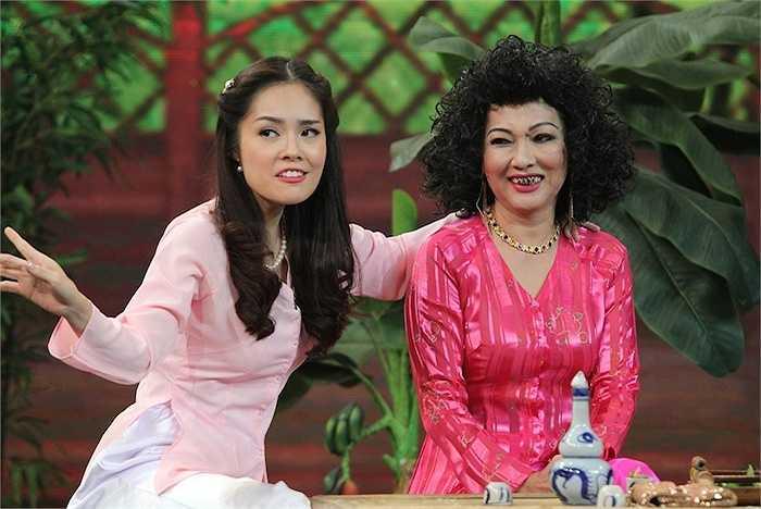 Phần thử thách thực đơn trưa chứng kiến khả năng diễn xuất đa dạng của diễn viên Phương Dung – người nổi tiếng với vai Tào Thị trong phim 'Phạm Công Cúc Hoa'.