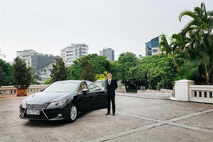 Các khách sạn cao cấp 5 sao tại Hà Nội đang 'chạy đua' trang bị những chiếc xe cao cấp nhất để đưa đón khách VIP theo yêu cầu.