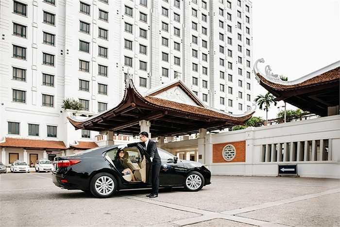 Dòng xe Lexus ES350 có thiết kế tinh tế, khoang hành khách yên tĩnh và tính năng an toàn tiên tiến.