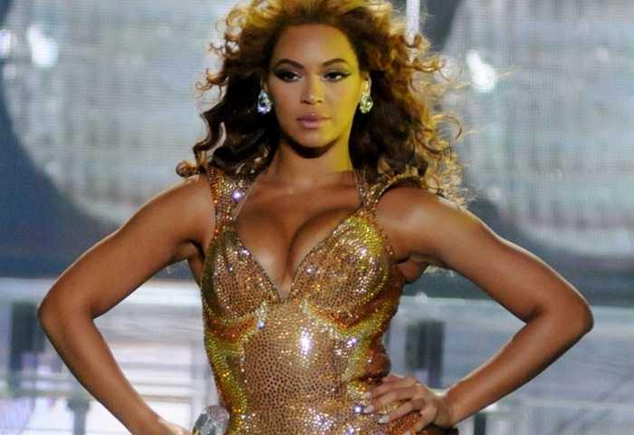 Beyonce, 33 tuổi. Quyền lực của Beyonce đã được khẳng định từ nhiều năm trước. Bà xã của Jay-Z cũng được mệnh danh là người phụ nữ của thành công khi cô luôn gây được sức ảnh hưởng mạnh mẽ với khán giả qua bất kỳ bài hát nào mà mình thể hiện
