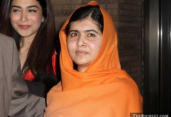 Malala Yousafzai, 18 tuổi. Cô gái nhỏ nhắn người Pakistan đã được trao giải thưởng Nobel Hòa Bình cho những hoạt động của cô trong việc chống lại chủ nghĩa khủng bố Taliban ở quê hương. Câu chuyện về một cô gái từng bị Taliban bắn trọng thương đứng lên chống lại chúng gây được sự chú ý của nhiều người