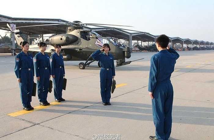 Các bài tập cơ bản của nữ phi công Trung Quốc