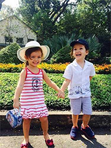 Diva Hồng Nhung kết hôn với Kavin, ông xã mang quốc tịch Mỹ. Không lâu sau, cặp đôi sinh đôi hai nhóc tì một trai, một gái.