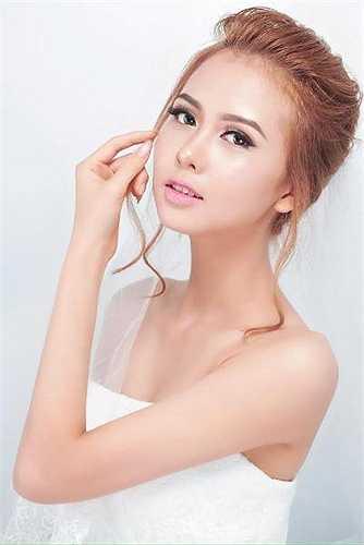 Hot girl Đại học Công nghịêp Nguyễn Thị Huyền Giang (1995) đến từ Hà Nam.