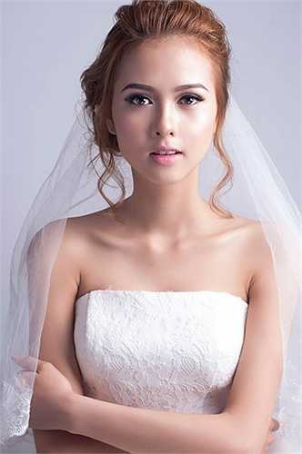 Vừa qua, cô bạn đã thực hiện bộ ảnh 'Cô dâu đơn thân' và nhận được nhiều phản hồi tích cực từ phía người xem.