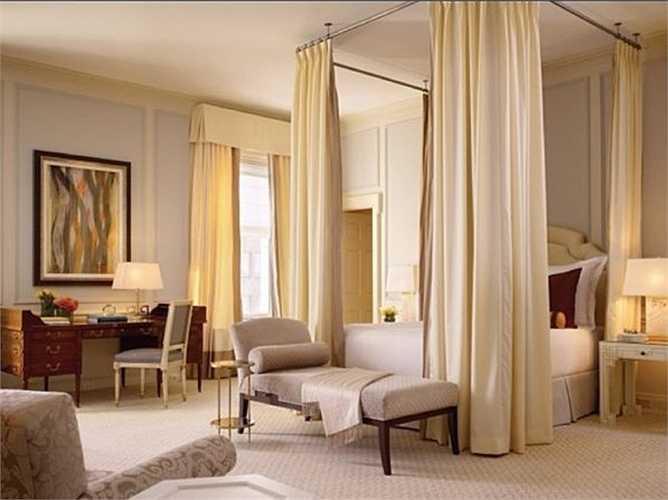 Họ có thể trả 15.000 USD cho một đêm trong căn hộ penthouse tại khách sạn sang chảnh Fairmont Hotel ở San Francisco.