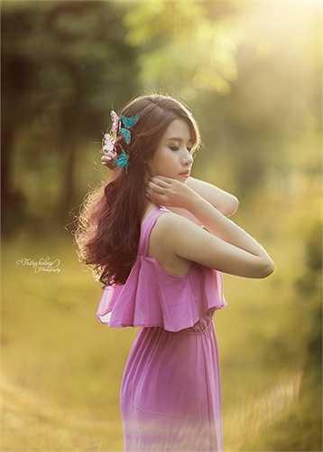 Với địa danh vườn nhãn quá quen thuộc với nhiều bạn trẻ Hà Nội, bộ ảnh 'cô gái mùa thu' được chụp trong một ngày trời Hà Nội bước vào thu.