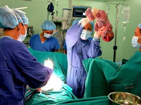 Bé Nguyễn Hoàng An chào đời trong niềm vui vỡ òa của các bác sỹ Bệnh viện Đa khoa Quốc tế Vinmec