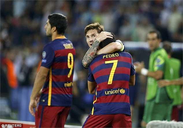 Quà chia tay ngọt ngào của Pedro dành cho các đồng đội. Suốt nhiều năm qua, Pedro đóng tròn vai dự bị cho các siêu sao hàng đầu thế giới ở Barca