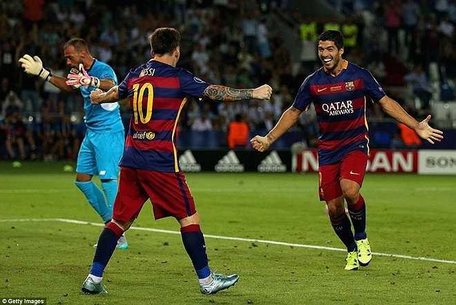 Messi lập cú đúp chỉ sau 16 phút thi đấu và Barca dẫn 4-1 chỉ sau 52 phút hai đội đối đầu trên sân.