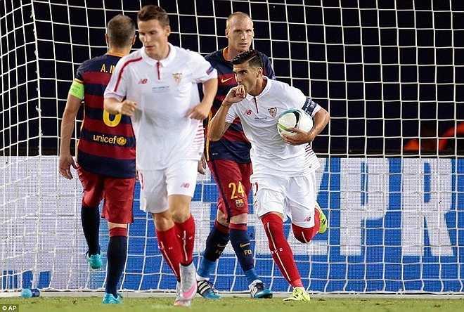 Tuy nhiên, hàng thủ Barca dần chơi chủ quan để Sevilla ghi liên tiếp ba bàn để san bằng tỷ số 4-4.