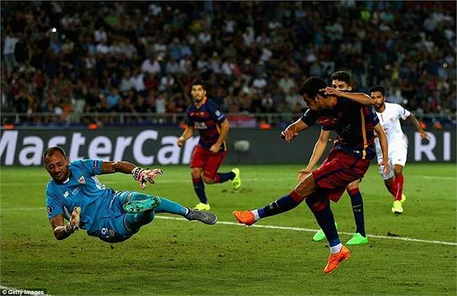 Kết quả này buộc 2 đội đá hiệp phụ và Pedro ghi bàn ở phút 115, giúp Barca thắng chung cuộc 5-4