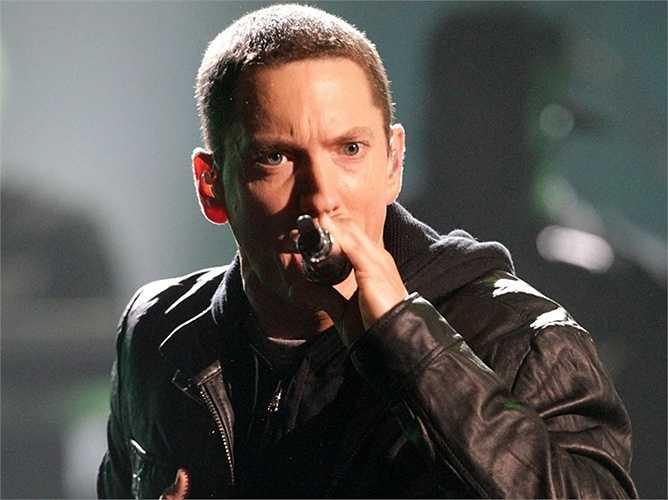 Iovine cũng chính là người đã giúp đỡ Rapper nổi tiếng Eminem rất nhiều trên con đường ca hát của mình
