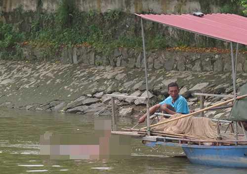 Người dân chài phát hiện thi thể người đàn ông chết trôi trên sông Cái Tắt (huyện An Dương, Hải Phòng)